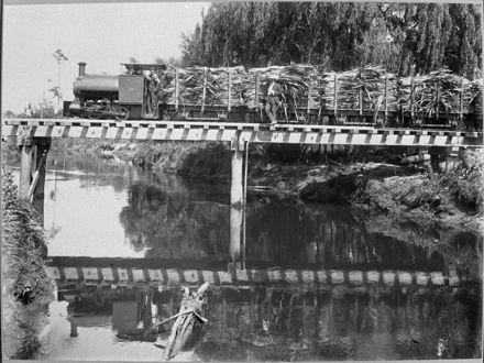 'Miranui' Flaxmill locomotive crossing the Tokomaru Stream, near Shannon