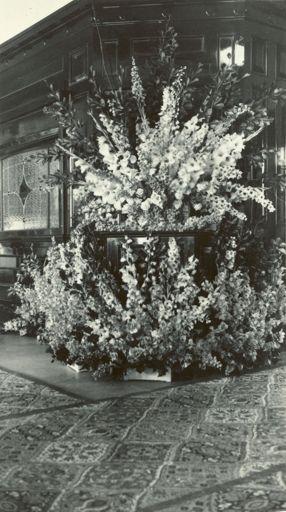 Flower display in Roscos tearooms, for Royal dinner