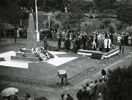 Unveiling of War Memorial, Memorial Park