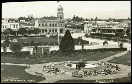 The Square, 1912 1