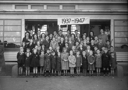 50th Anniversary reunion group, Mangamaire School