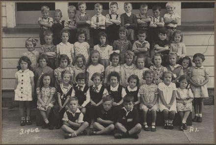 Terrace End School - Primer 1, 1942