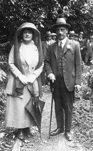Governor General Lord Jellicoe and Lady Jellicoe in the Esplanade