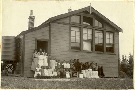 Tokorangi School with Clara Hanron and pupils