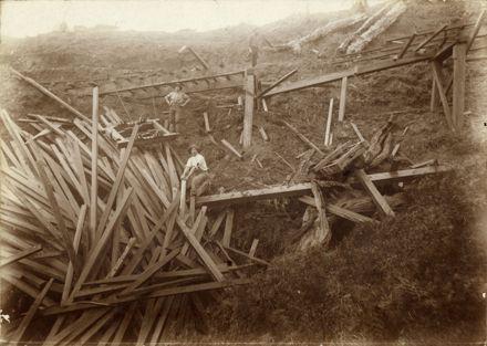 Timber crash at Drum Point, Kahuterawa