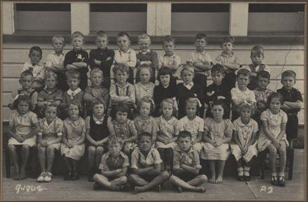 Terrace End School - Primer 2, 1942