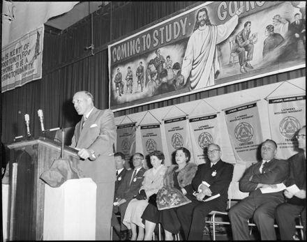 """Deputy Mayor Opens Church Congress"""