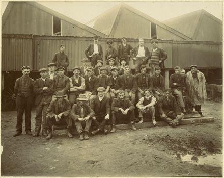 Workers at Miranui Flaxmill, near Shannon