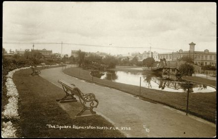 Seating by The Lakelet, Palmerston North