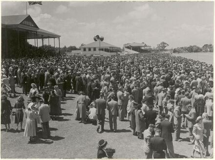 Crowds at Awapuni Racecourse