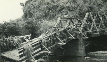 Black Bridge, Kahuterawa