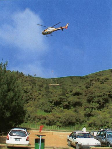 Helicopter transports materials to the Sledge Track, Kahuterawa