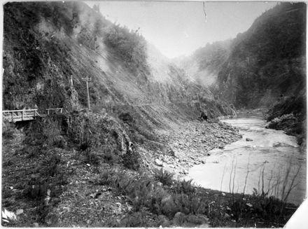 Manawatu Gorge looking west