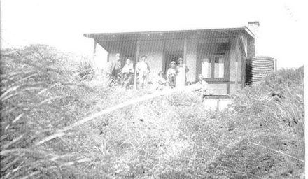 Kerslakes' Cottage Hokio Beach