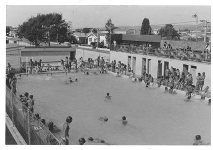 Levin Swimming Pool, cnr. Bath & Salisbury Sts., 1970