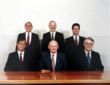 Members of the Board (6), January 1992