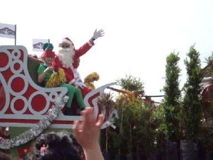 Santa waving in Levin Christmas Parade 2011