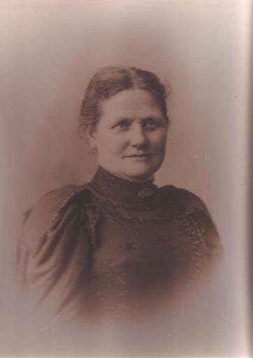 Mary Ann Futter (nee Hathaway), c.1900 (?)