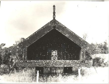 Pataka (storehouse), Lake Papaitonga