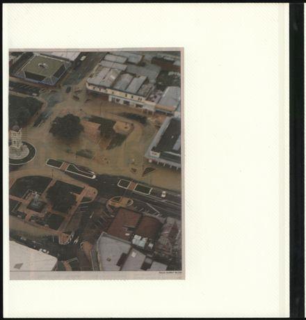 Page 18: Album: 2004 Flood