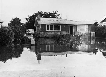 Flood - 1956 : 17-12