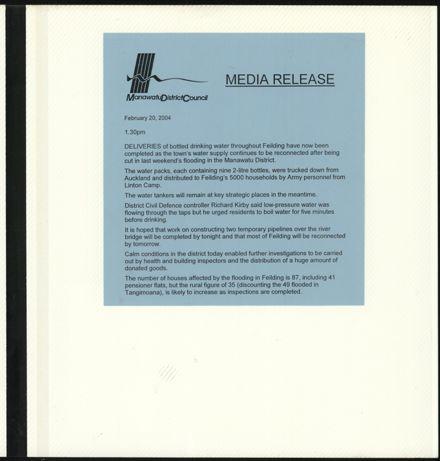 Page 25: Album: 2004 Flood