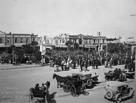 Unveiling of the Soldiers Memorial, c. 1923