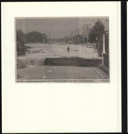 Page 60: Album: 2004 Flood