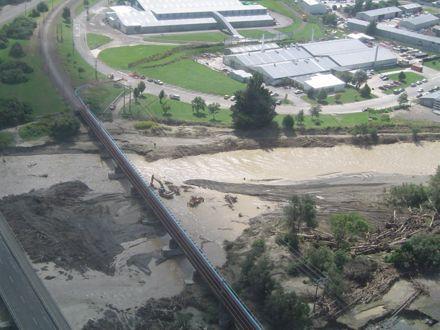 Flood 2004 - Aorangi Railway Bridge
