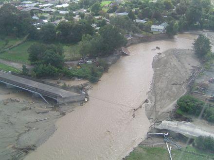 Flood 2004 - Kimbolton Road Bridge