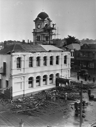 Dismantling Feilding Post Office Tower, c. 1942